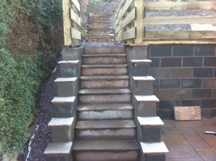 Rc Retaining Walls : Retaining wall patio steps decking froncysytlle